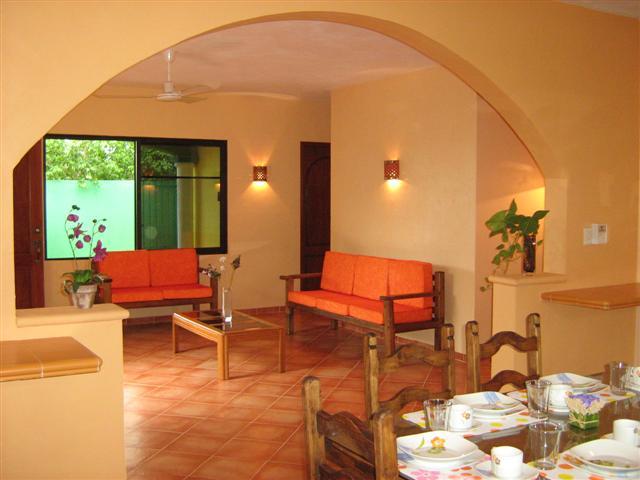 Merida yucatan casas amuebladas en renta aceptamos for Casa con piscina zona norte merida